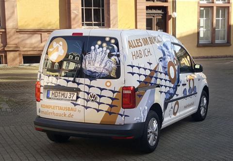 Heckansicht des Habicht-Autos